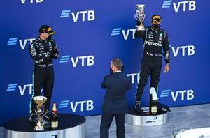 Podio: el tercer lugar Lewis Hamilton, Mercedes-AMG F1