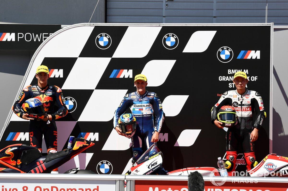 Top3 después de la calificación: Raul Fernandez, Red Bull KTM Ajo, Gabriel Rodrigo, Gresini Racing, Tatsuki Suzuki, SIC58 Squadra Corse