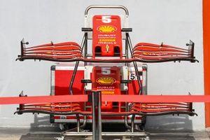 Front wings for the car of Sebastian Vettel, Ferrari SF1000