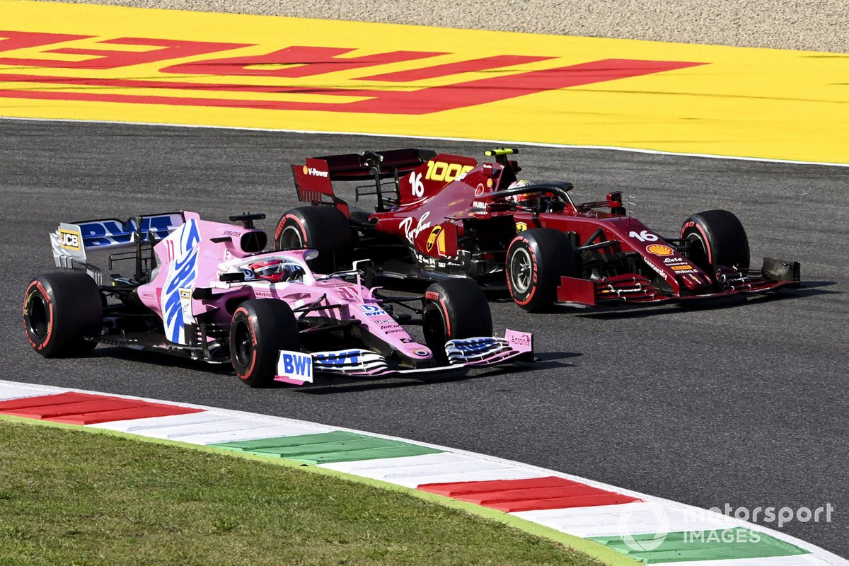 Sergio Perez, Racing Point RP20, in battaglia con Charles Leclerc, Ferrari SF1000
