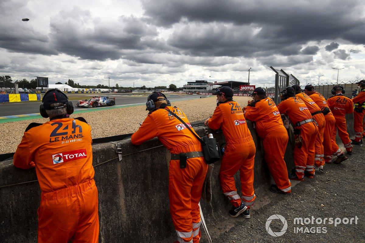 Comisarios en Le Mans