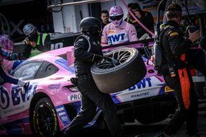 #4 HRT Mercedes-AMG GT3: Maro Engel, Luca Stolz, Nico Bastian