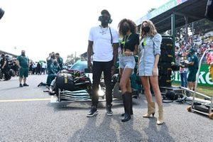 Sprint legend Usain Bolt and Model Cindy Bruna on the grid