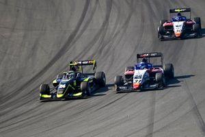 Kaylen Frederick, Carlin Buzz Racing, Zdenek Chovanec, Charouz Racing System et Hunter Yeany, Charouz Racing System