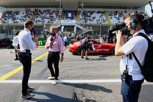 Paul di Resta e Simon Lazenby, Sky TV, sulla griglia