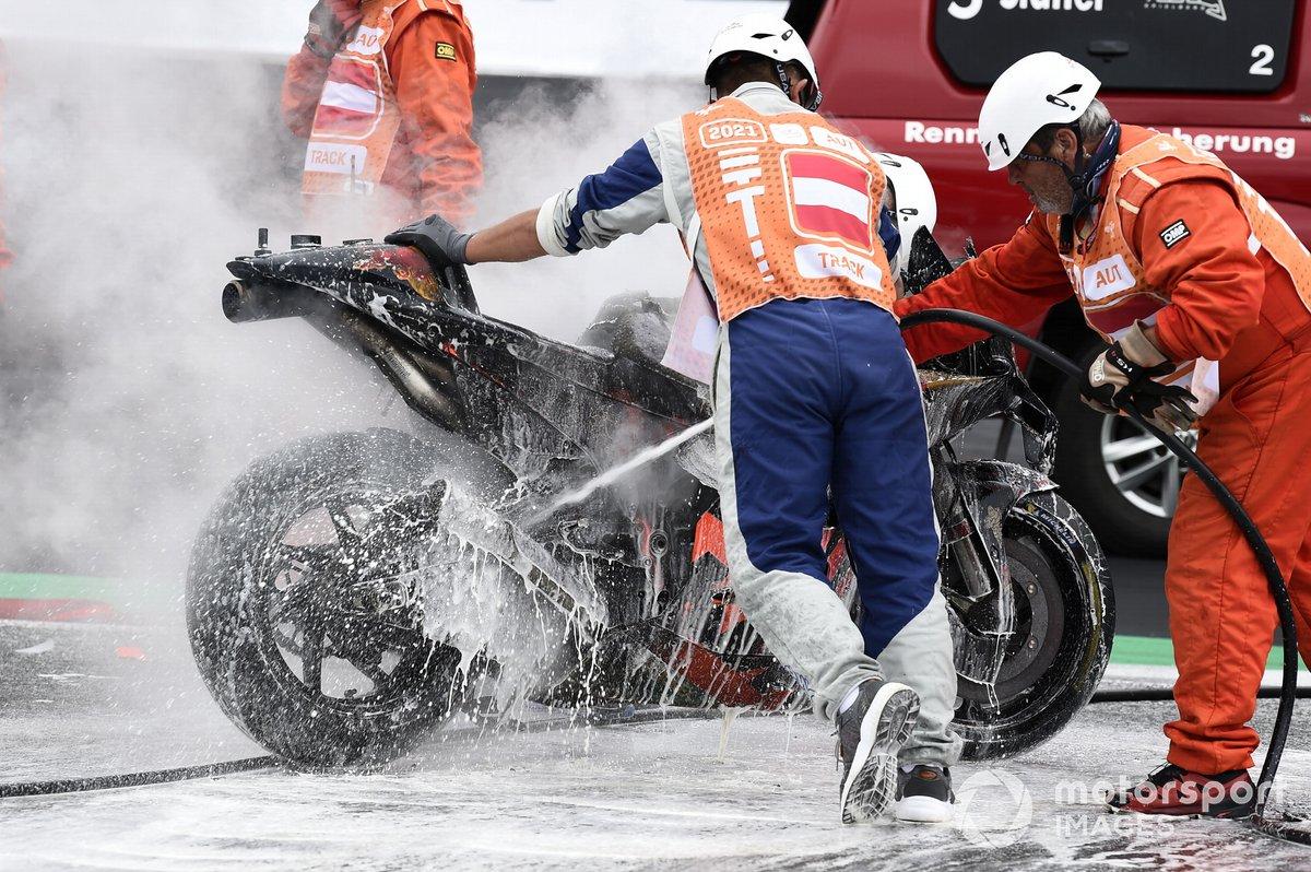 Moto de Dani Pedrosa, Red Bull KTM Factory Racing, después del incendio