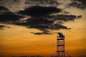 La tour TV pendant le coucher de soleil