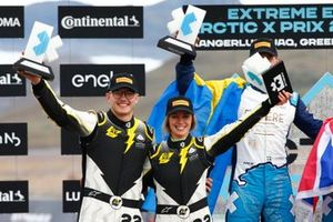 Mikaela Ahlin-Kottulinsky, Kevin Hansen, JBXE Extreme-E Team, 2nd position, on the podium