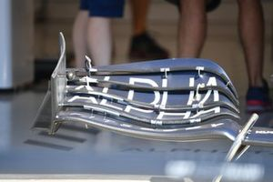 AlphaTauri AT02 front wing detail