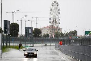 Het stortregent op het circuit