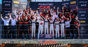 L'équipe Championne #32 Team WRT Audi R8 LMS GT3: Charles Weerts, Dries Vanthoor