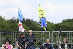 Fans von Marco Simoncelli und Valentino Rossi