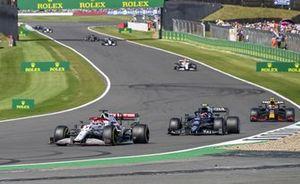 Kimi Raikkonen, Alfa Romeo Racing C41, Pierre Gasly, AlphaTauri AT02, and Sergio Perez, Red Bull Racing RB16B