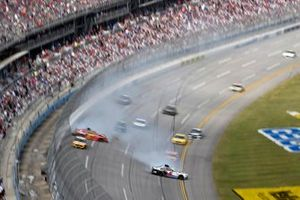 Crash: Kyle Larson, Hendrick Motorsports, Chevrolet Camaro Cincinnati, Justin Allgaier, Spire Motorsports, Chevrolet Camaro BRANDT