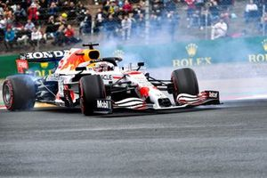 Max Verstappen, Red Bull Racing RB16B, recovers after a spin