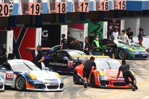 Carros da Porsche Cup em Goiânia