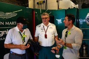 Otmar Szafnauer, Team Principal and CEO, Aston Martin F1 with Rory McIlroy