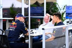 Adrian Newey, Chief Technical Officer, Red Bull Racing, Helmut Marko, Consultant, Red Bull Racing, and Alex Albon, Red Bull Racing