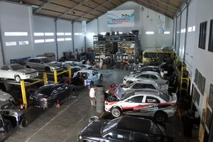 Suasana garasi RFT Motorsport
