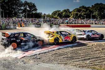 Mattias Ekström, EKS Audi Sport leads, Kevin Hansen, Team Peugeot Total, Liam Doran, GC Competition