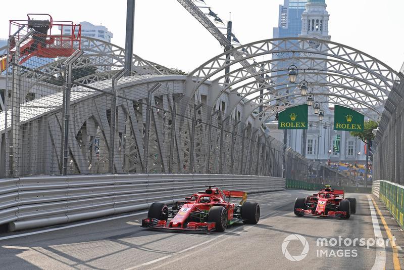 Sebastian Vettel, Ferrari SF71H y Kimi Raikkonen, Ferrari SF71H