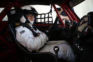 Matteo Nugnes al volante della Mini John Cooper Works Lite