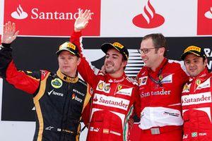 Podyum: 2. Kimi Raikkonen, Lotus F1, yarış galibi Fernando Alonso, Ferrari, Stefano Domenicali, Takım Patronu, Ferrari, 3. Felipe Massa, Ferrari