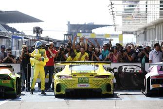 Racewinnaars #48 HTP Motorsport Mercedes-AMG GT3: Indy Dontje, Maximilian Buhk