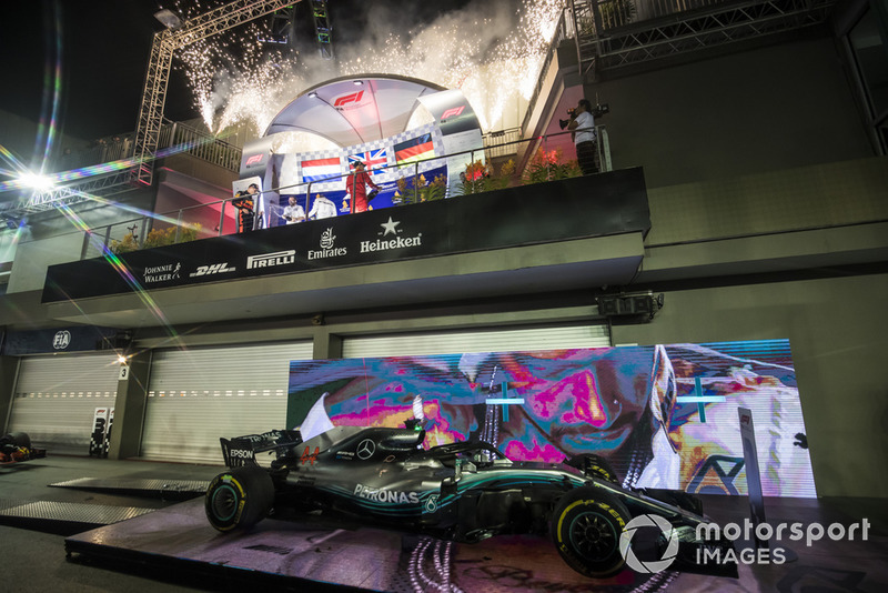 Lewis Hamilton, Mercedes AMG F1, Max Verstappen, Red Bull Racing, Sebastian Vettel, Ferrari.