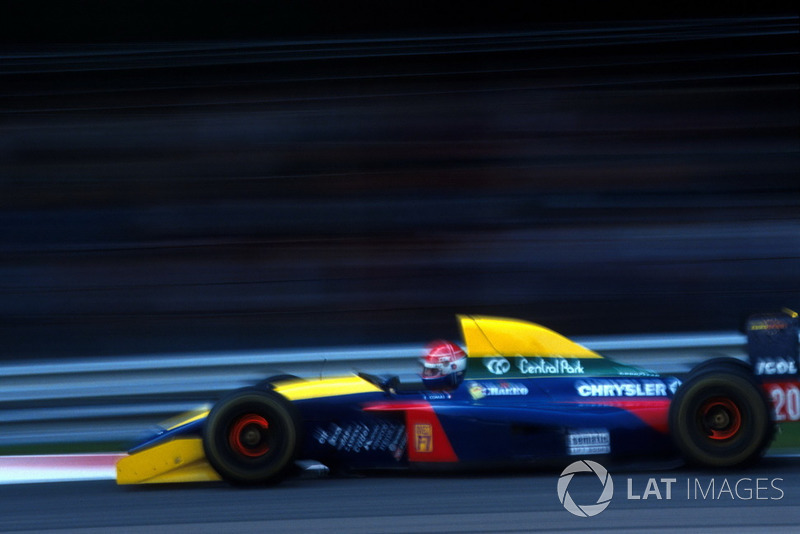 Патрезе стал пятым, а шестым финишировал гонщик Larrousse Эрик Комас.
