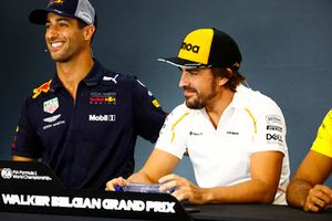 Daniel Ricciardo, Red Bull Racing, and Fernando Alonso, McLaren, in the Thursday press conference
