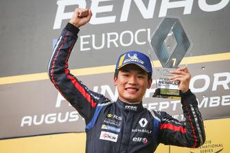 Podio: race winner Yifei Ye, Josef Kaufmann Racing