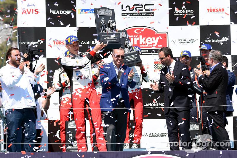 Serkan Yazıcı, TOSFED President, Race Winner Ott Tänak, Toyota Gazoo Racing, Recep Tayyip Erdoğan, President of Turkey