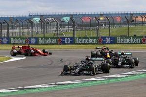 Lewis Hamilton, Mercedes F1 W11 Valtteri Bottas, Mercedes F1 W11 and Max Verstappen, Red Bull Racing RB16