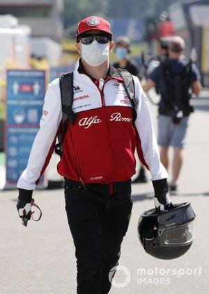 Kimi Raikkonen, Alfa Romeo Racing C39 arrives at the track