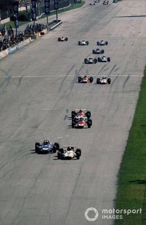 Jackie Oliver, BRM P153, Jackie Stewart, Tyrrell Racing Organisation March 701, Jacky Ickx, Ferrari 312B y Clay Regazzoni, Ferrari 312B