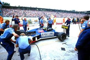 Stefan Johansson, Tyrrell 012, in the pitlane