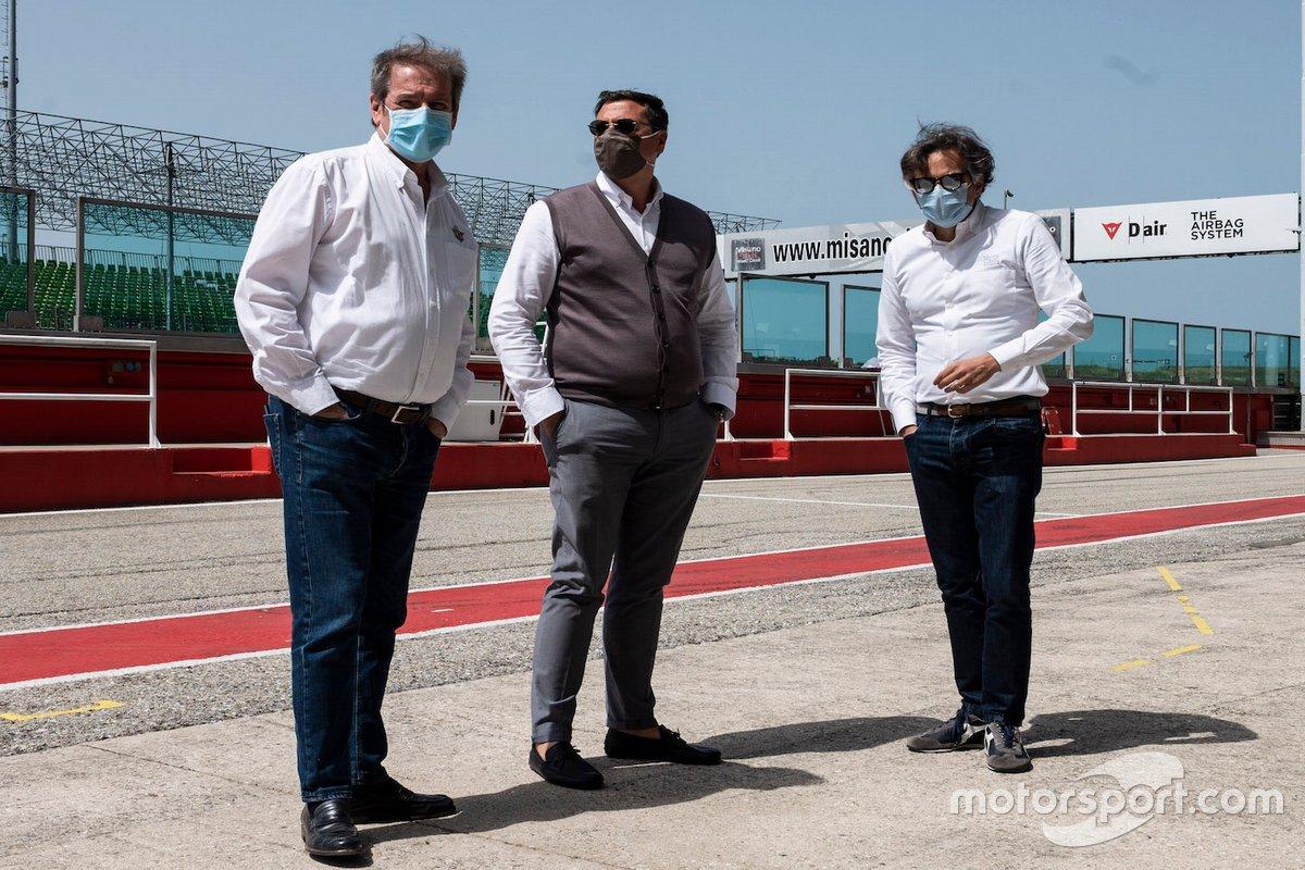 El Presidente del FMI, Giovanni Copioli, junto con el Presidente de Santa Mónica Spa Luca Colaiacovo y el Director Gerente del CMM Andrea Alban
