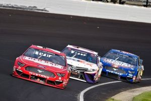 Matt DiBenedetto, Wood Brothers Racing, Ford Mustang RED KAP/Menards and Denny Hamlin, Joe Gibbs Racing, Toyota Camry FedEx Express