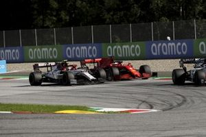 Sebastian Vettel, Ferrari SF1000, battles with Antonio Giovinazzi, Alfa Romeo Racing C39