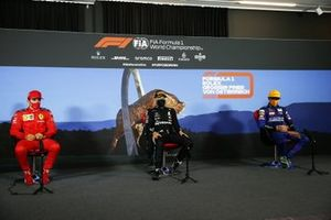 Charles Leclerc, Ferrari, Valtteri Bottas, Mercedes AMG F1, e Lando Norris, McLaren, , in conferenza stampa