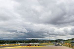 Sebastian Vettel, Ferrari SF1000, Antonio Giovinazzi, Alfa Romeo Racing C39, Nicholas Latifi, Williams FW43, y Sergio Pérez, Racing Point RP20