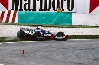Juan Pablo Montoya, Williams FW24, avec l'aileron avant de Michael Schumacher, Ferrari F2001