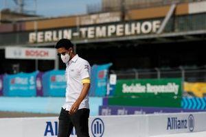 Lucas Di Grassi, Audi Sport ABT Schaeffler, walks the track