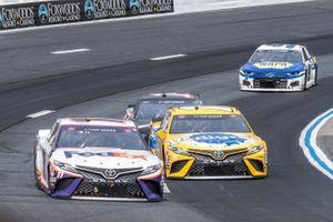 Денни Хэмлин, Joe Gibbs Racing, Toyota Camry и Кайл Буш, Joe Gibbs Racing, Toyota Camry