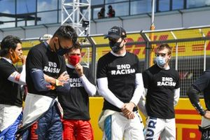 Alex Albon, Red Bull Racing, Nicholas Latifi, Williams Racing, and the rest of the drivers assemble to show their support for the End Racism campaign