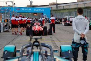 Crew: Mahindra Racing