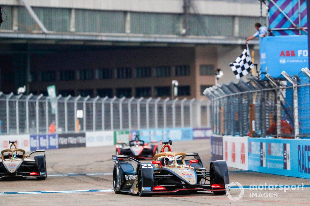 Jean-Eric Vergne, DS Techeetah, DS E-Tense FE20, 1ª posición, cruza la bandera a cuadros