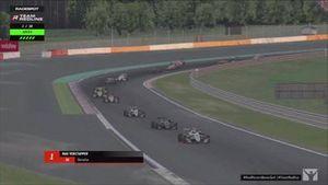 Team Redline simrace op Spa-Francorchamps met Max Verstappen en Lando Norris.