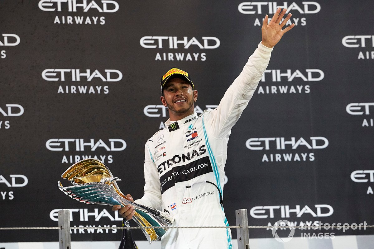 9. Lewis Hamilton – 250 arranques